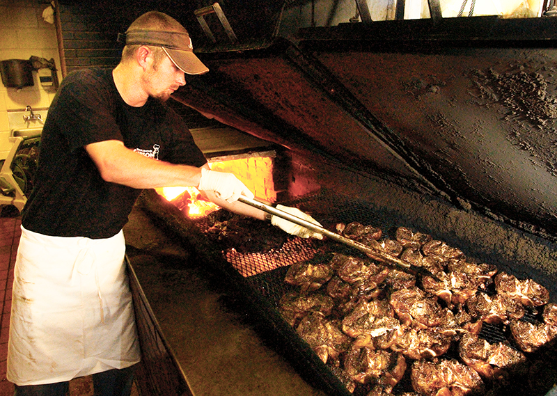 alabama barbecue pit alabama barbecuers have come into the business ...